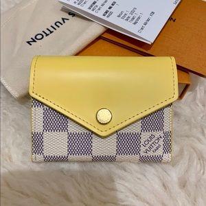 Louis Vuitton 2019 Zoe Damier Azur Compact Wallet